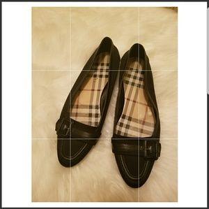 Burberry Italy classic cloth round toe flats